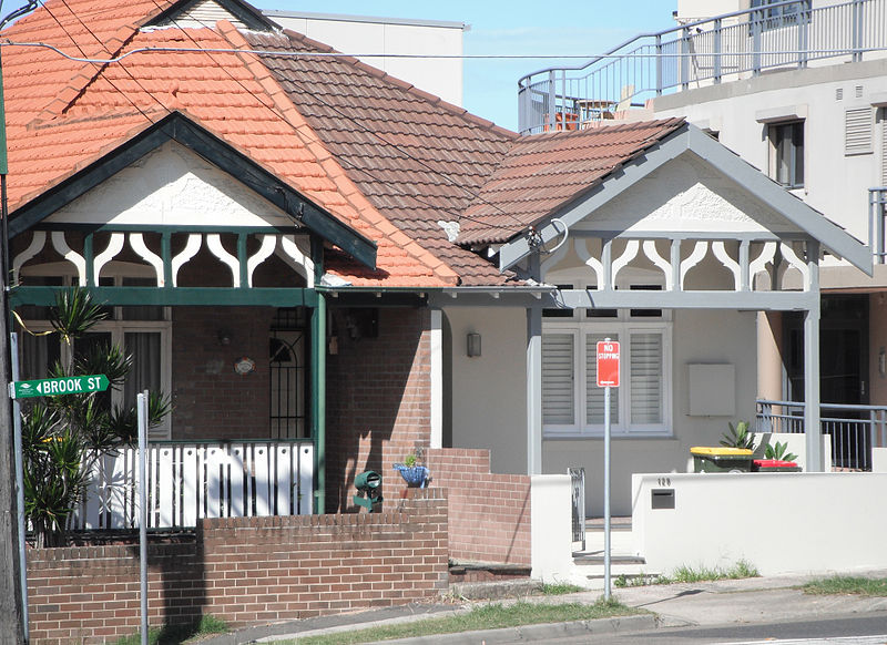 external image 800px-127_Brook_Street._cnr_Carr_Street%2C_Coogee_NSW.jpg