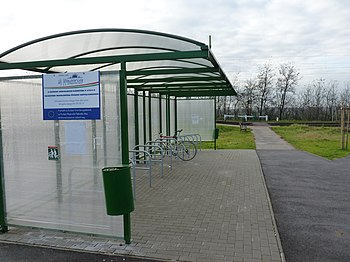 English: Bike and ride bicycle rack at Rákoske...
