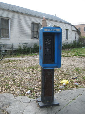 Defunct pay phone, LaSalle Street, Uptown New ...