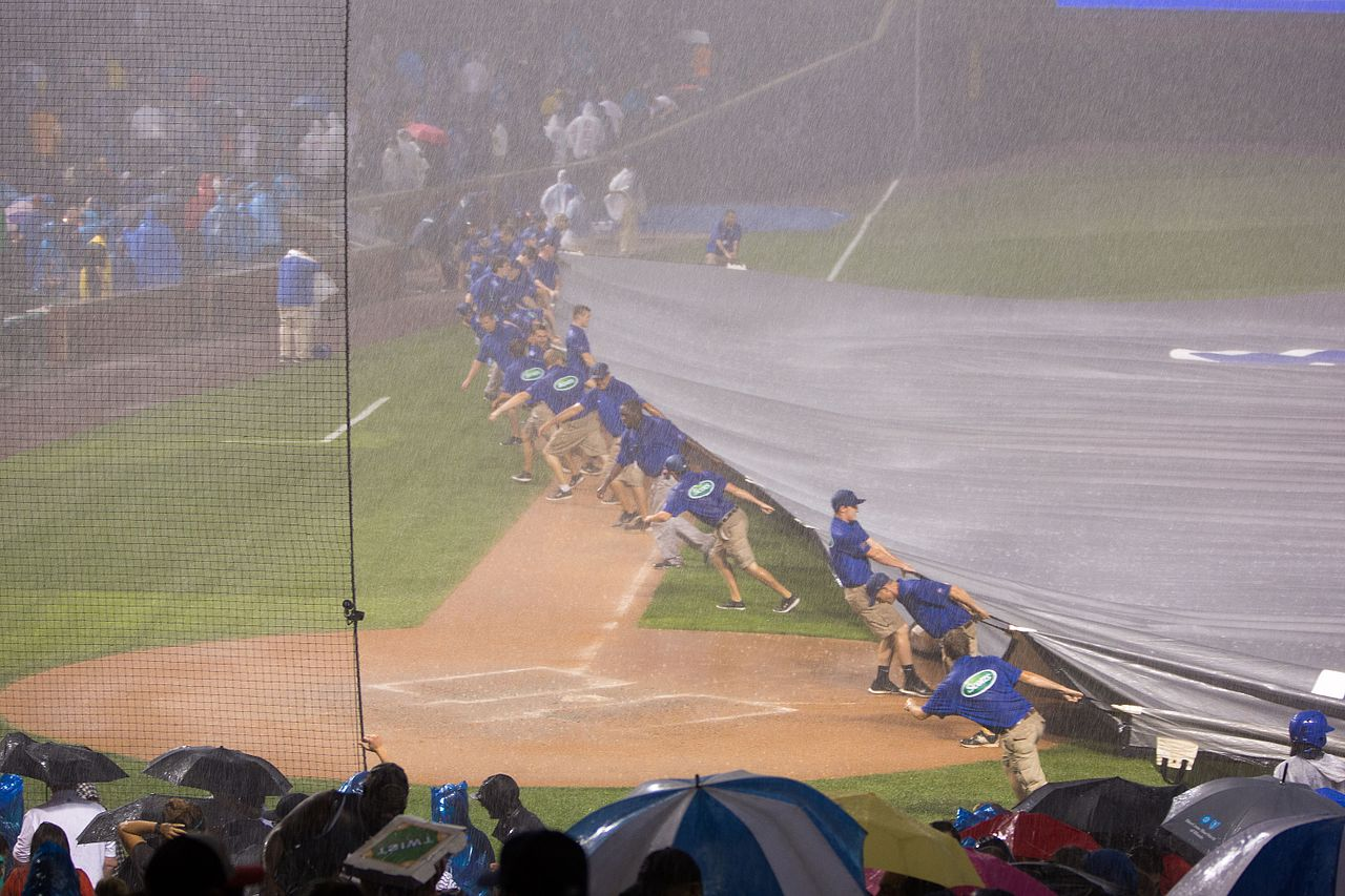rain delay at wrigley field