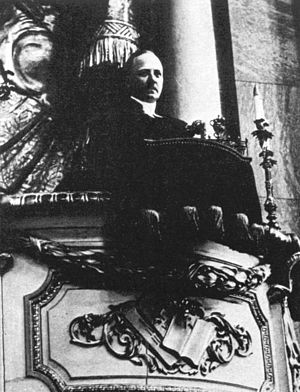 Erik Bergman (1886-1970), parish minister, fat...