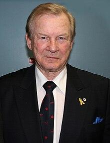 General Lewis Mackenzie.jpg