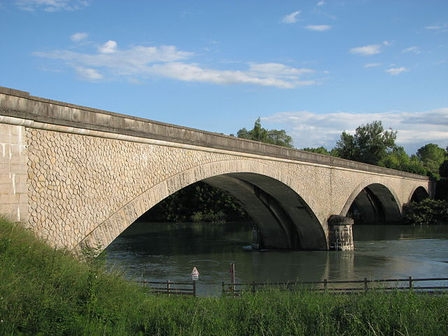 https://i0.wp.com/upload.wikimedia.org/wikipedia/commons/thumb/4/41/Pont_Evieu2.JPG/640px-Pont_Evieu2.JPG?w=840&ssl=1