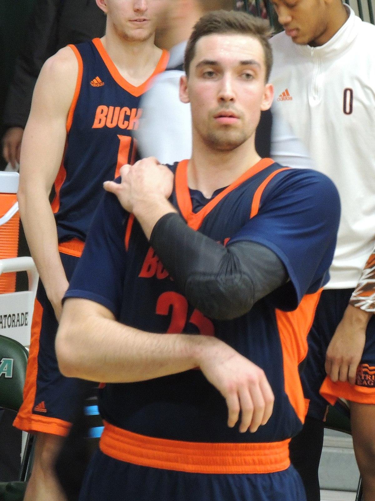 Zach Thomas Basketball Wikipedia