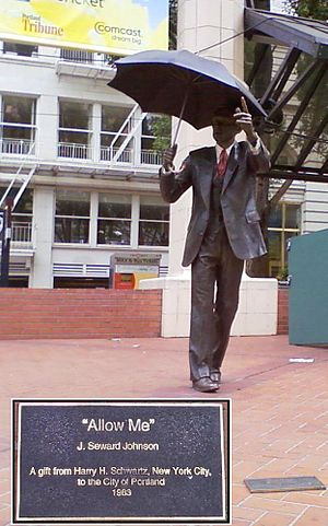 English: 'Allow Me' Sculpture in Pioneer Court...