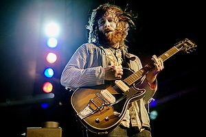 English: Dan Auerbach, guitarist of the Black ...
