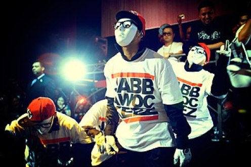 English: The Jabbawockeez: a hip-hop dance crew
