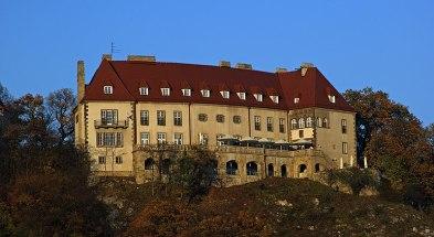 File:Przegorzaly Castle (view from SW), 13 Jodlowa street, Przegorzaly, Krakow, Poland.jpg
