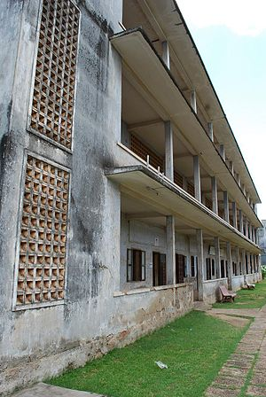 Prison where Pol Pot and the Khmer Rouge tortu...