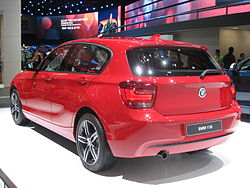 BMW 118i-F20 Rear-view.JPG