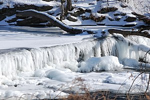English: A frozen waterfall on the Wappinger C...
