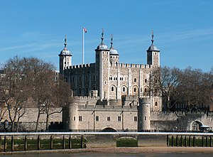 English: The Tower of London seen from across ...