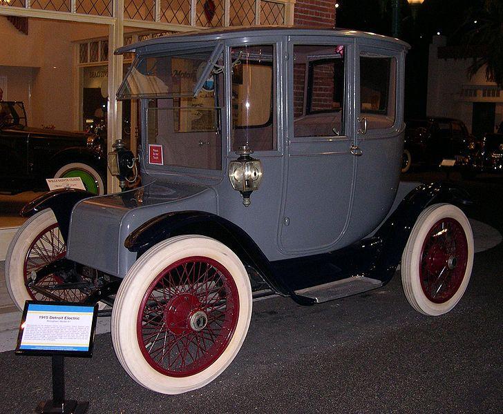 Vehículo eléctrico de 1915 en Detroit