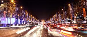 Français : Avenue des Champs-Elysées, Noël 2010.