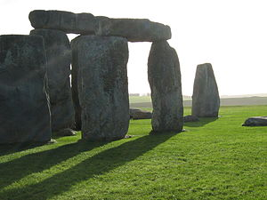 English: The stones, blinded by the sun.