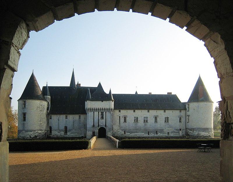 Castle Plessis Bourre 2007 01