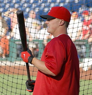 Jay Bruce preparing to take batting practice b...