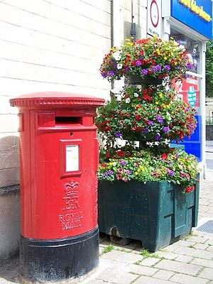 English: Postbox, Frome This postbox is on the...