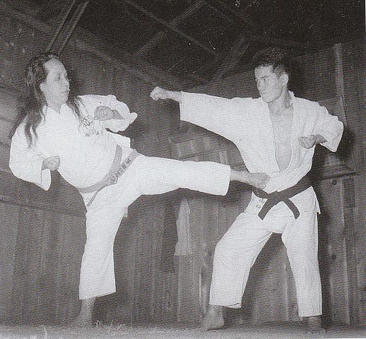 https://i0.wp.com/upload.wikimedia.org/wikipedia/commons/thumb/4/47/Gogen_and_Goshi.jpg/518px-Gogen_and_Goshi.jpg