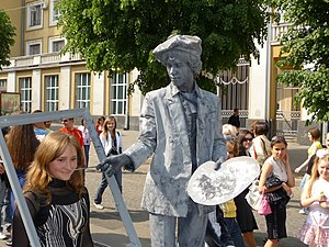 English: Living statues, performance art. Euro...