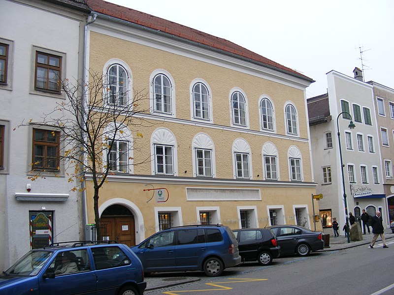 File:Anwesen Salzburger Vorstadt 15, Braunau am Inn.JPG