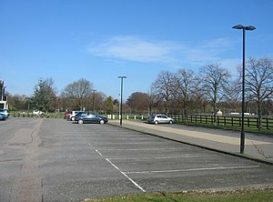 English: Veterinary school car park