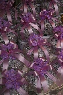 Caramelo de violeta  Wikipedia la enciclopedia libre