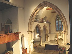 English: Chancel of St Leonard's church The ch...