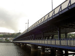 English: Photo of Craigavon bridge over Foyle ...