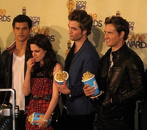 English: The Cast of Twilight - Kristen Stewar...