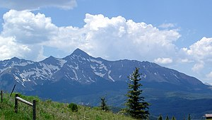 English: Mt Wilson viewed Leaving Telluride, C...