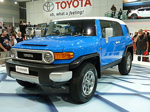 English: 2010 Toyota FJ Cruiser (GSJ15R) wagon...