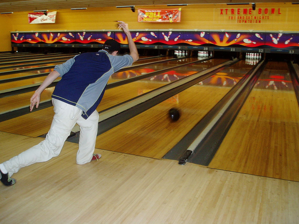 hight resolution of pin and bowling lane diagram