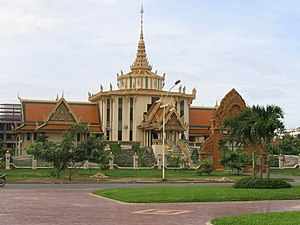 English: The Buddhist Institute was founded on...