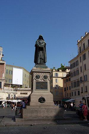 Statue Giordano Bruno auf dem Campo Fiori in Rom