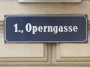 Deutsch: Straßentafel Operngasse, Wien-Innere ...