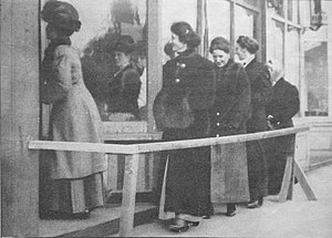 English: Newly enfranchised women voting in th...