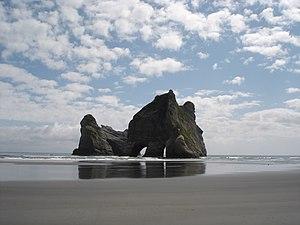 English: Archway Islands seen from Wharariki B...