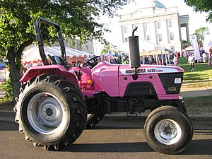 English: Mahindra 6030 Turbo tractor in downto...