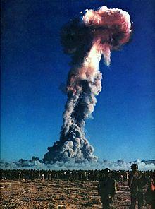 Qui A La Bombe Atomique : bombe, atomique, Explosion, Atomique, Wikipédia