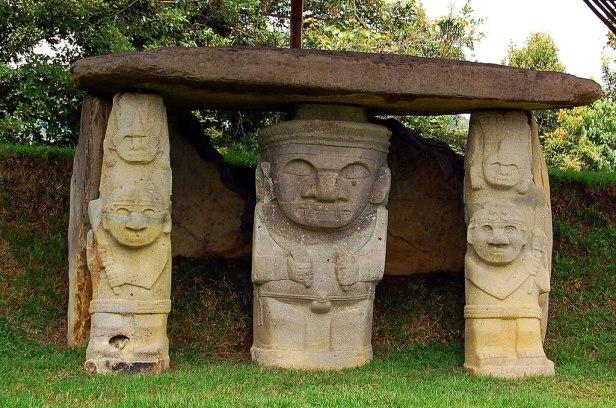 Parque Arqueológico de San Agustín - tomb of a deity with supporting warriors