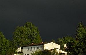 (en) (de) Vor einem Gewitter. Der Himmel war s...
