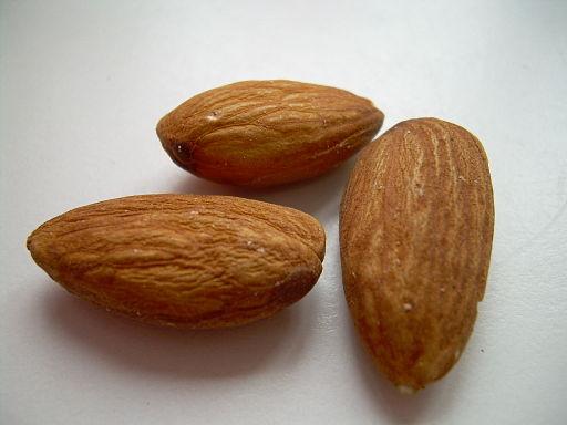 Almonds02