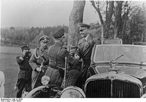 Bundesarchiv Bild 121-0006, Sudetenland, Besuc...