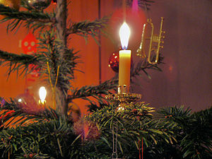 english candle on a german christmas tree deu