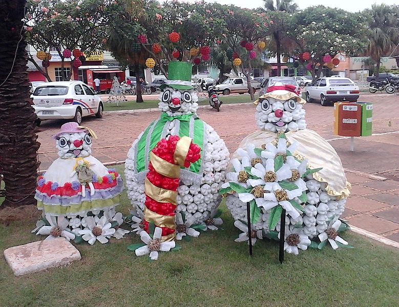 Ficheiro:Decoração Natalina em Tangará da Serra.jpg