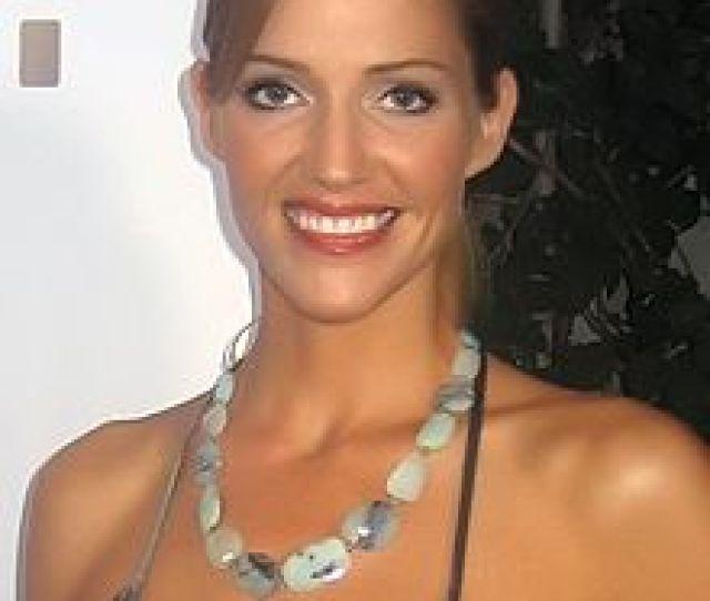 Tricia Helfer En Septiembre De 2008
