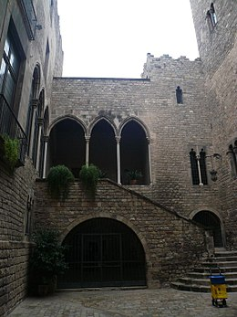 Chateau En Espagne 4 Lettres : chateau, espagne, lettres, Académie, Belles-lettres, Barcelone, Wikipédia