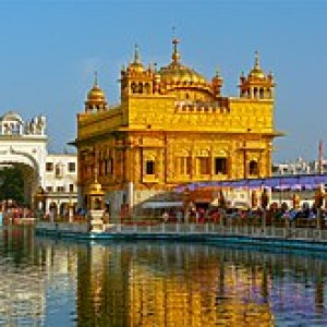 Sarovar and the Golden Temple.jpg