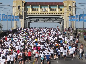 The 2010 Vancouver Sun Run, on Burrard Bridge.
